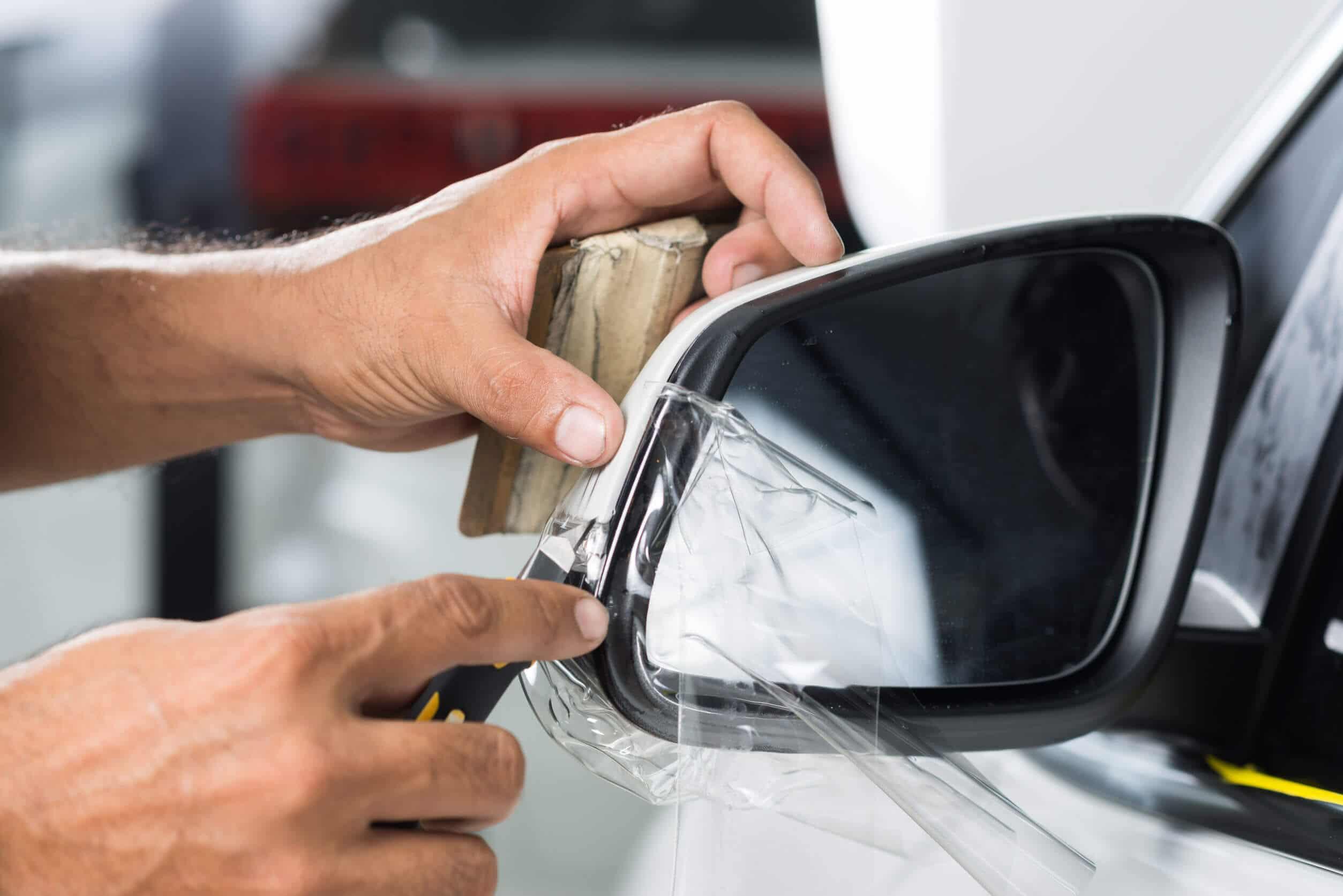 Kratzschutzfolie Anwendung Auto Seitenspiegel